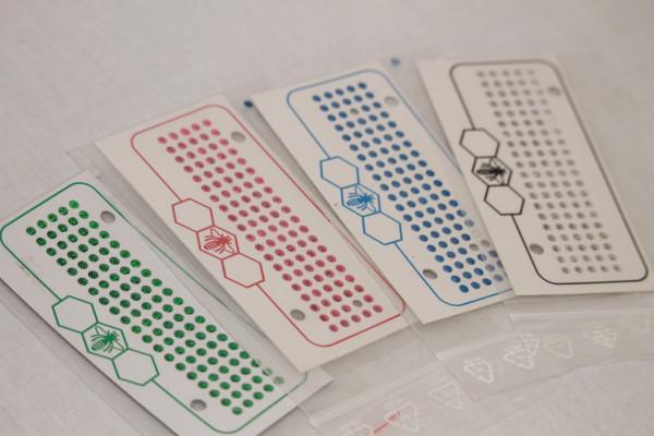 Opalith Leucht Zeichenplättchen mit Nummern verschiedene Farben