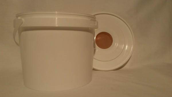 Futtereimer 5 Liter mit Siebdeckel
